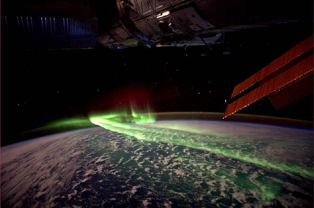 aurora-australis-soutern-lights-from-spacc-iss