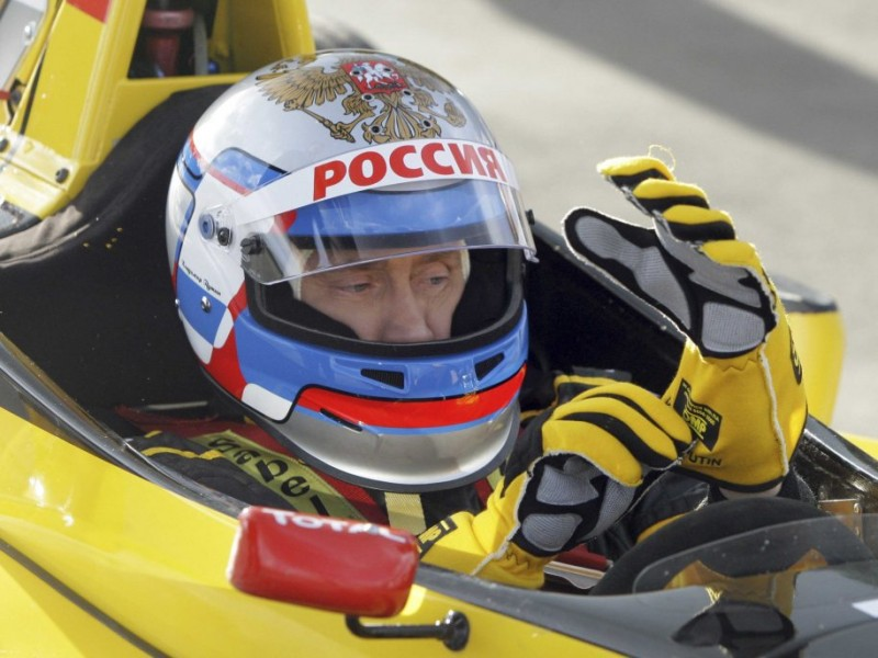 putin-likes-speed-in-2010-he-took-a-test-drive-of-a-renault-formula-one-car-a-racing-track-in-leningrad-he-reached-the-maximum-speed-of-240-km-per-hour