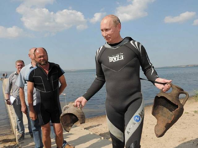 the-hunt-was-successful-given-that-putin-found-two-amphorae-that-were-placed-there-by-the-archaeologists-before-hand