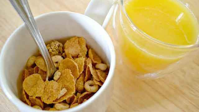 21cereal-mug-and-orange-juice_tn