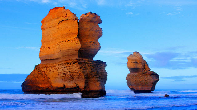 Gibson-Steps-The-Twelve-Apostles-Great-Ocean-Road-Australia