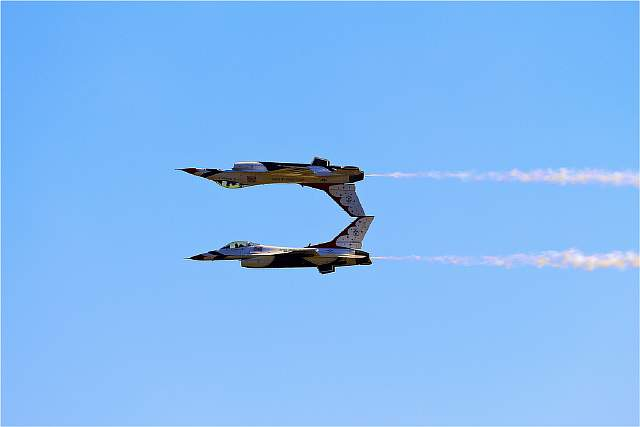 USAF Thunderbirds - In Tandem