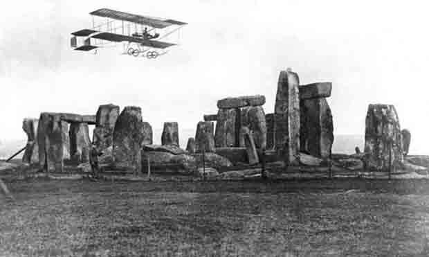 04 Early flight over stonehenge