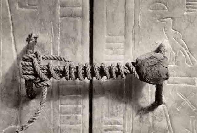 10 Seal on Tutankhamun's Tomb