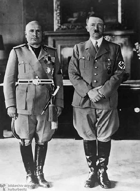 32 Hitler and II Duce