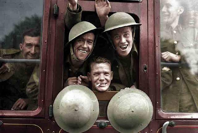 british-troops-cheerfully-board-their-train-for-the-first-stage-of-their-trip-to-the-western-front-england-september-20-1939-benafleckisanokactor