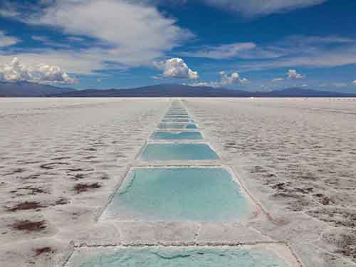 las-salinas-grandes-is-a-massive-salt-desert-in-argentina-the-2300-square-mile-field-is-filled-with-pools-of-water-created-by-mining-companies-that-harvest-salt-there