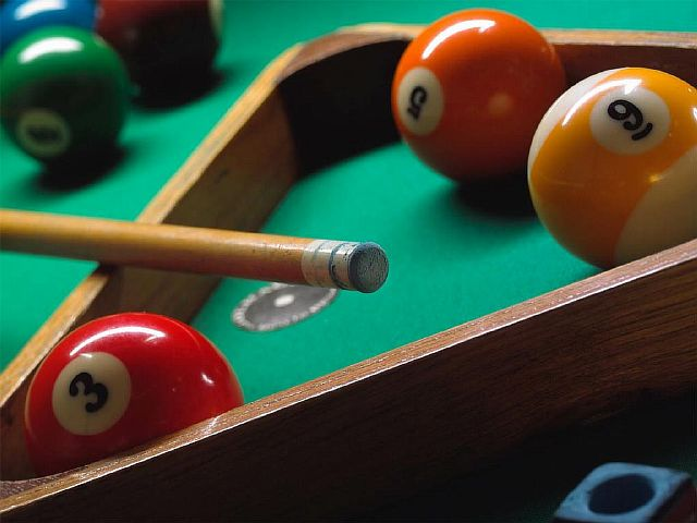 BILLIARDS-AND-POOL-TABLE