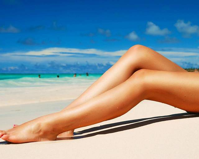 Beautiful-Legs-and-Beach-wallpaper-desktop-hd-wallpaper-1280x1024-9-50641de494dc5-9839