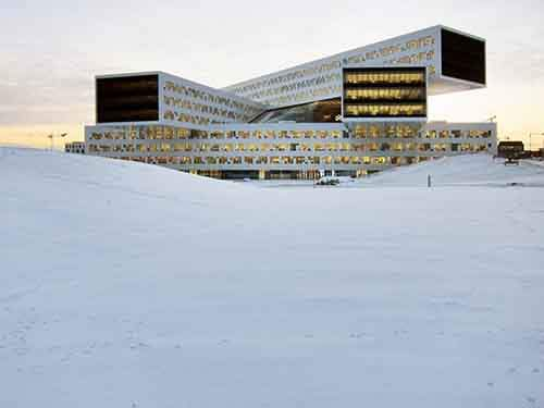 best-office-this-norwegian-building-is-made-up-of-five-layers-of-offices-stacked-on-top-of-each-other