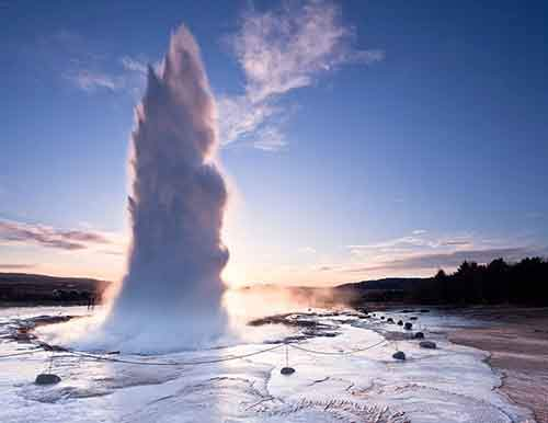 the-strokkur-geyser-in-iceland-erupts-every-four-to-eight-minutes-