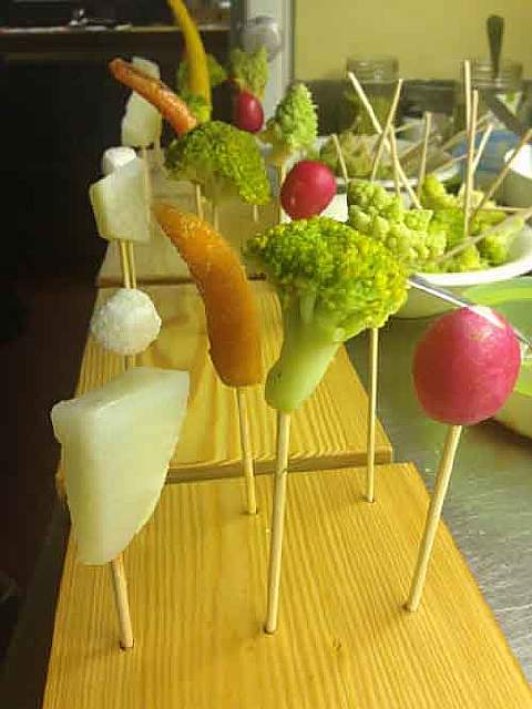 3022038-slide-biomatvegetable-lollipops