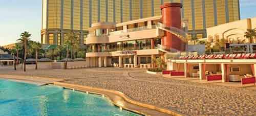 fantasy-who-wouldnt-want-to-spend-a-week-at-the-mandalay-bay-las-vegas