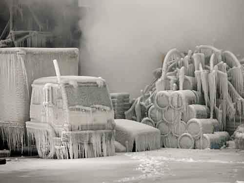 firefighters-put-out-a-raging-fire-in-a-chicago-warehouse-on-jan-23-but-the-bitter-cold-temperatures-turned-it-into-an-ice-castle
