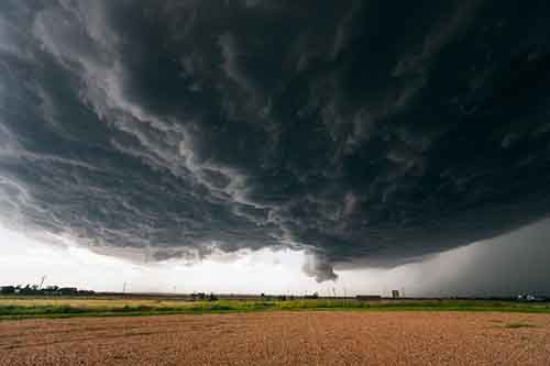 supercells-are-thunderstorms-that-are-characterized-by-a-deep-persistent-updraft-because-of-their-massive-rotating-nature-supercells-often-resemble-alien-motherships