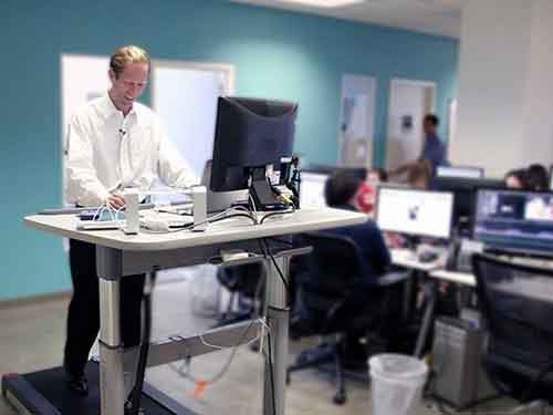 using-a-treadmill-desk-increases-your-chances-of-physically-hurting-yourself