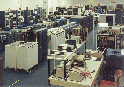 400px-GEC4000computerRoom