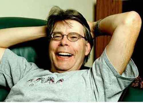 stephen-king-received-30-rejections-for-carrie