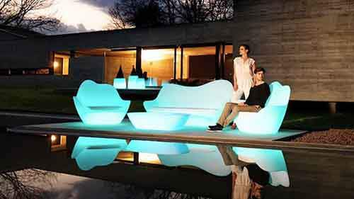 Illuminated-Outdoor-Furniture-by-Vondom-11