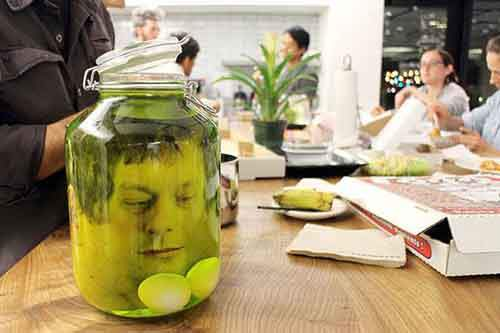 diy-fake-decapitated-head-prank-7