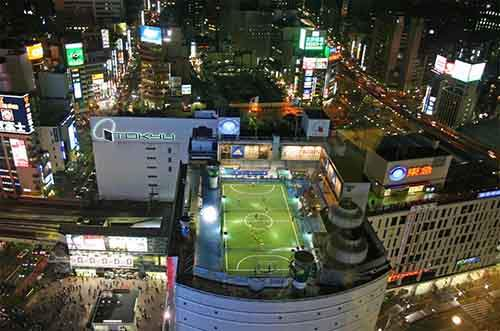 soccer-field-on-top-of-building-tokyo