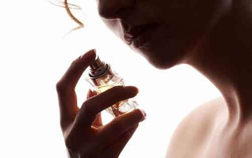 669_free-perfume-samples-causing-death-in-a-terrorist-act-1380123921
