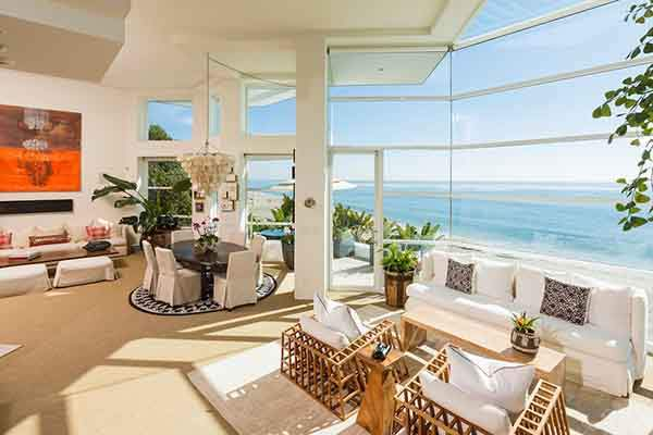 Rich-decor-house-Malibu-beach