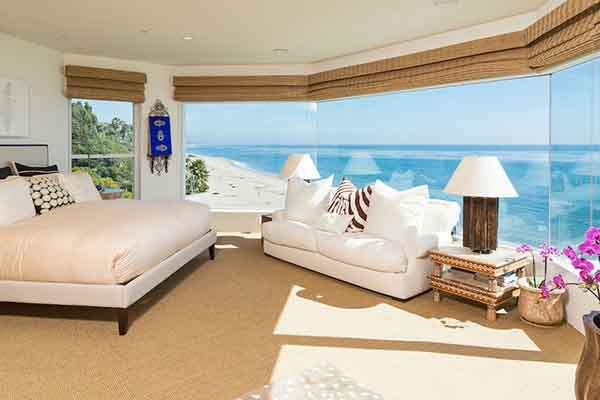 Sea-views-bedroom