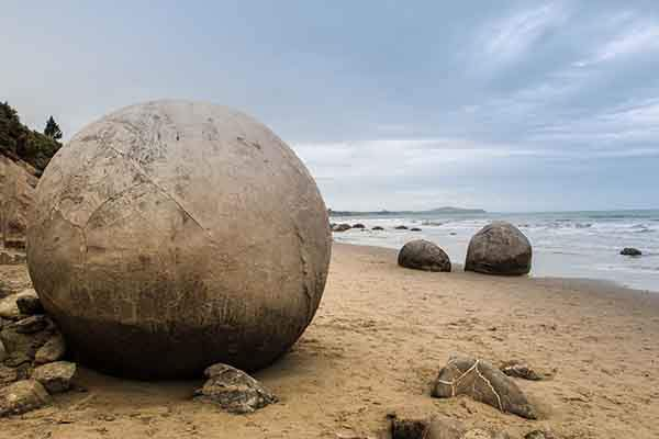 The naturally forming spherical boulders at Moeraki, New Zealand