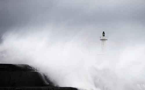 huge-waves-crash-onto-the-san-esteban-de-pravia-seafront-in-the-northern-spanish-region-of-asturias