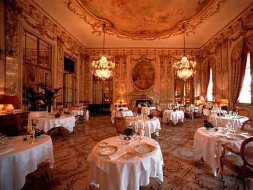item2.rendition.slideshowwidehorizontal.expensive-restaurants-le-meurice-new
