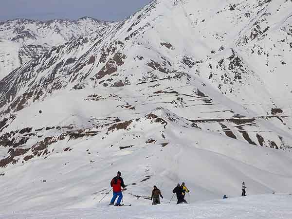 shemshak-ski-resort-is-less-than-an-hour-from-tehran-wealthy-tehranis-love-to-escape-here-on-the-weekends