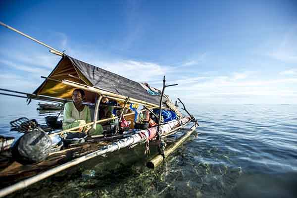 the-bajau-are-a-nomadic-malay-people-who-have-lived-at-sea-for-centuries-primarily-in-a-tract-of-ocean-by-the-philippines-malaysia-and-indonesia