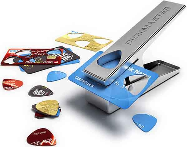 turn-old-credit-cards-into-guitar-picks