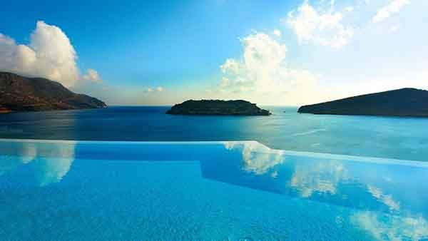 the-24-amazing-pools-you-need-to-jump-in-before-you-die-24