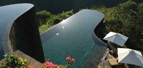 the-24-amazing-pools-you-need-to-jump-in-before-you-die-9