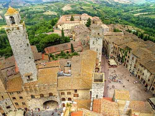 explore-the-medieval-city-of-san-gimignano-a-walled-city-within-siena