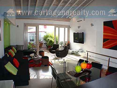 in-cartagena-1-million-gets-a-recently-renovated-three-bedroom-four-bathroom-apartment-with-a-terrace-and-jacuzzi