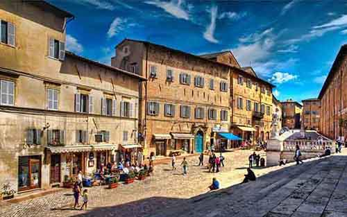 italy-stunning-villages-wcth11