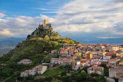 italy-stunning-villages-wcth13