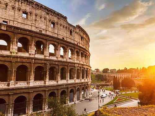 marvel-at-the-enormous-colosseum-in-rome