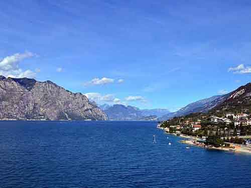 sail-on-lago-di-garda-italys-largest-lake