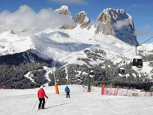 ski-the-dolomites-a-mountain-range-in-the-northern-italian-alps-and-explore-the-charming-ski-village-of-cortina-dampezzo