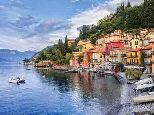 take-a-boat-around-lago-di-como-one-of-the-most-beautiful-lakes-in-italy
