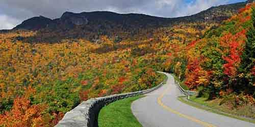the-blue-ridge-parkway-runs-from-north-carolina-to-virginia-and-is-known-for-its-views-of-rugged-mountains-and-the-appalachian-highlands
