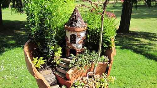 2-broken-pot-fairy-garden-24