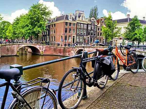 amsterdam-is-the-most-bike-friendly-city-in-the-world-with-a-full-38-of-all-trips-in-the-city-made-by-bicycle