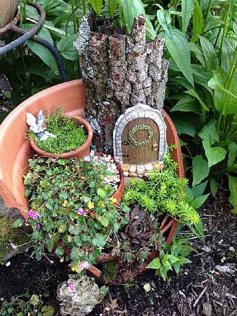 broken-pot-fairy-garden-12