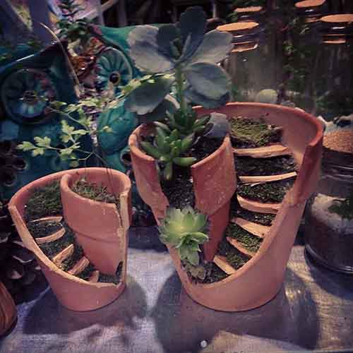 broken-pot-fairy-garden-8