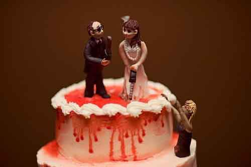 chilling-bride-and-groom-wedding-cake